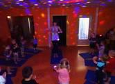 Sportliche Aktivitäten und YOGA -  ein regelmäßiges Zusatzangebot zum Schwerpunkt der Bewegungserziehung